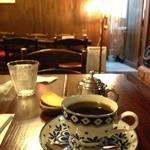 カフェ サルーテ - セミストロングはなかなかのストロング 私にはブレンドがちょうどいいかな