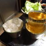 高砂ホルモン - 梅割り(ストレート)300円 ガッツリ酔える!