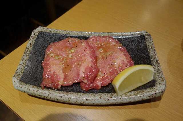 永秀 - まずは牛たん塩1300円を注文しました。
