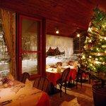 オーベルジュ ド プリマヴェーラ - 雪が積もった中庭を眺めながらのクリスマスディナーは本当にロマンチックです!
