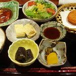 旬菜酒房 わらび - 日替わりランチ