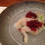 25554021 - 平目の梅酢洗いとイクラのワイン漬
