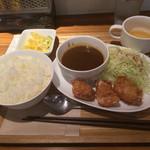 キッチン ハレヤ - から揚げ3個&ミニカレー(辛口)500円