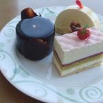 25559172 - ●桜フロマージュ                       ●ピスタチオとチョコレート                       ●札幌ショコラブラン