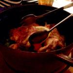25562753 - メイン:鶏肉のロースト(5人前)。STAUBで焼いて出てきます。