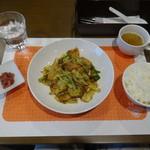 Chuugokuryouriiaru - 豚肉とキャベツのみそ炒め、ライス、スープ、梅ザーサイ