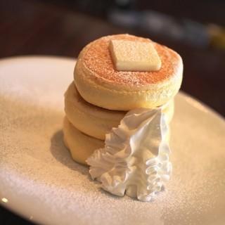 La Pullman Caffe' - 料理写真:ルックス抜群スタンダードパンケーキ☆