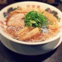 来来亭 - ラーメンです。「細麺と太麺」「麺の硬さ」「ネギの量」「背脂の量」を選べます!平日ランチは麺大盛又は ライス無料!