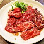 25567543 - お肉セット900円。カルビ、中落ちカルビ、ハラミ、ロース
