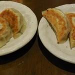25570989 - 左がしそ餃子、右がチーズ餃子byアライグマのニコちゃん好き