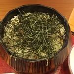 25573526 - お櫃の中には小エビの天ぷらがご飯にまぶされたものが入ってます