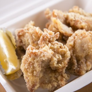 鳥肉はありた鶏、有明鶏をメインに使用、牛肉豚肉も100%国産