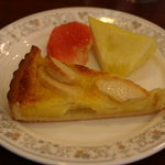 アスター - 4皿目 りんごタルト 以上ケーキ13個完食