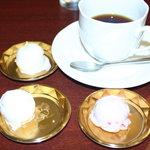 アスター - コーヒー、 アイス3種(バニラ、レアチーズ、いちごミルク)