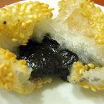 中華鄂菜 楚天 - 揚げたての自家製。餡は黒ごま