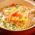 ブリュセレンシスカフェ - 鶏もも肉のワーテルゾーイ