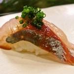 とくみ鮨 - 鯵の握り