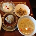南国酒家 - シュウマイ、スープ、ザーサイ、杏仁豆腐