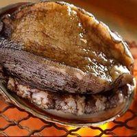坂本屋 - アワビは海鮮炭火焼でもお刺身でもご希望のお召上がり方を指定して頂けます。