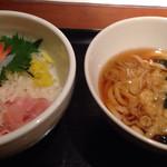 25591632 - 三色丼(ミニうどん付) ¥850