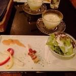 Kafesentoraru - 夜ご飯セットの前菜とスープ