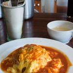 Le Cafe RETRO - ふわふわ玉子のオムライス(トマトソース)