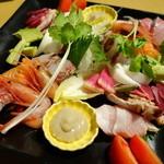 Sakatorina - 地鶏のお造り盛り合わせ&鮮魚の造り3種盛り