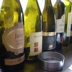 エノテカバール プリモディーネ - ワインのボトル達