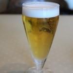 ビッグシェフ - グラスビール 380円。