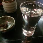 本郷 - 2杯目は、〆張り鶴
