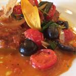 25604076 - サルティンボッカ、トマト(シシリアンルージュ)とオリーブのソース