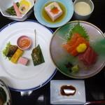 杏泉閣 - 料理写真:夕食の1部