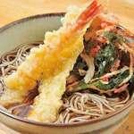 小木曽製粉所 - 料理写真:かけそばにエビ天とかき揚げをトッピング。