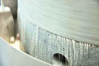 小木曽製粉所 - 木曽産のそばを石臼挽きに。