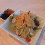 旧三井港倶楽部 - セットのサラダ