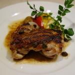 セントベーネ - 富士鶏モモ肉のグリル・アンチョビバターソース