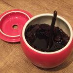 花畑丸福 - 卓上の醤油にんにく