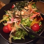 25615392 - ドレッシングが美味しい野菜サラダでした。
