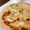 4種チーズのクアトロフォルマッジォ 蜂蜜添え