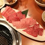 焼肉芝浦 - 福岡産のバラ、茨城産のカイノミ と 鳥取和牛オレイン55のバラ、カイノミ