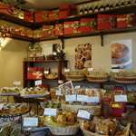 クイーンボアーズ - たくさんの焼菓子