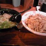 25626377 - 夜の定食(720円)・豚の生姜焼き丼・ハーフラーメン付