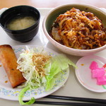 レストラン田野 - スタミナ丼