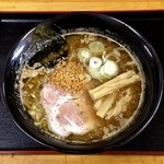 ラーメン拳 - 豚醤油ラーメン(700円)