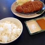 とんかつ知多家 - 料理写真:お昼に、ミルフィーユとんかつ チーズ 1030円 (2014.03現在)