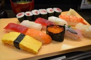 築地玉寿司 台場店 - おすすめにぎり 1280円。