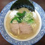 沖縄宮古島ラーメン 天晴 - 塩ラーメンのアップ
