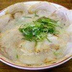 25640982 - 半チャーシュー麺 大盛り950円