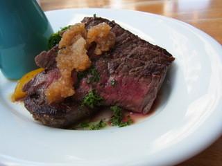 グローブ - 日光高原牛ステーキランチ(1280円)のお肉の断面