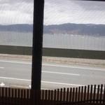 山ぼたん - 窓越しに…諏訪湖が♪